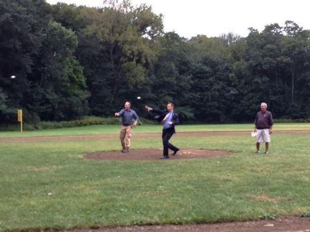 stu miller ded for web throw first pitch